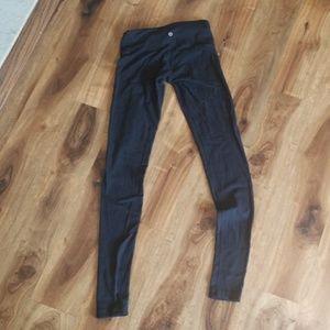 Lululemon black leggings yoga pants